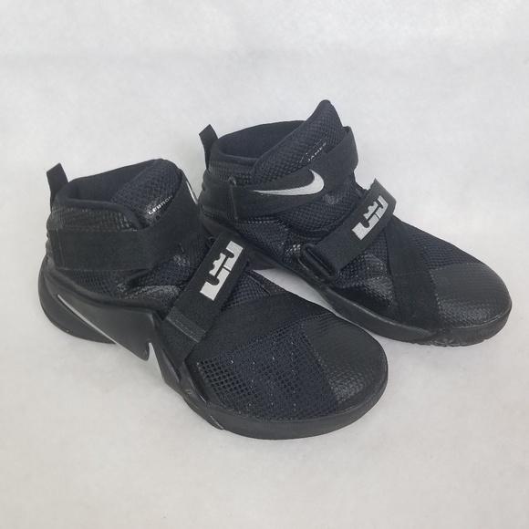 newest 11b1e 353e7 SOLD Nike Lebron James Soldier 9 Kids 13c